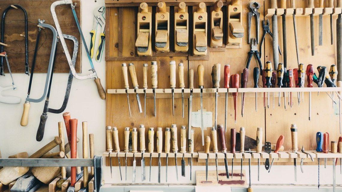 Werkzeug – was braucht man? Die Basisausstattung für Zuhause
